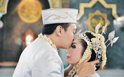 Resepsi Pernikahan Dengan Adat Tradisional, Kenapa Tidak?